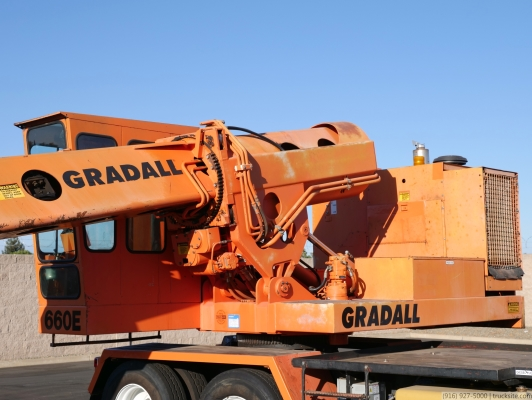 Gradall G-660E Wheeled Mounted Hydraulic Excavator