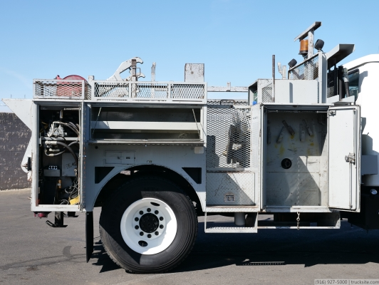 1998 International 4700 Cable Reel Loader and Winch Truck