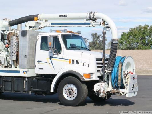 2000 Sterling L7500 Vac-Con V311LHA Combination Sewer Cleaner