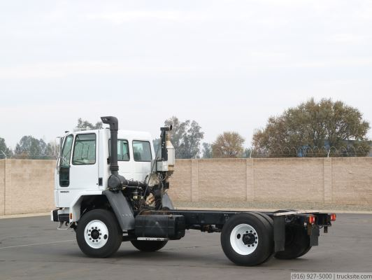 2002 Freightliner FC70 Cab & Chassis