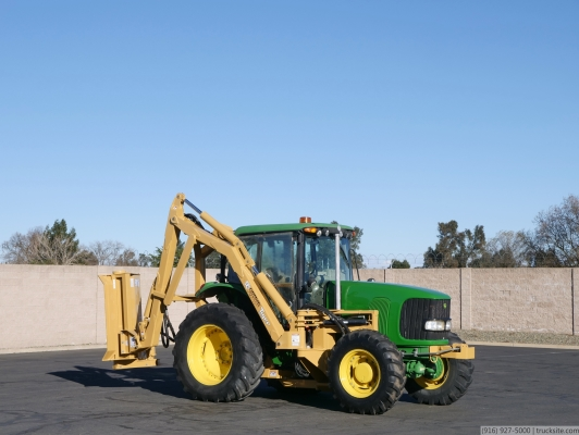 2005 John Deere 7220 4WD Tractor with Tiger Saber Mower Attachment