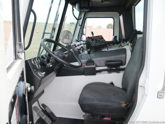 2005 Mack Wittke Starlight 40 Yard CNG Front Loader