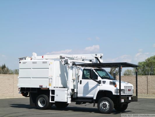 2006 GMC 4x4 Altec AT37G Forestry Bucket Truck