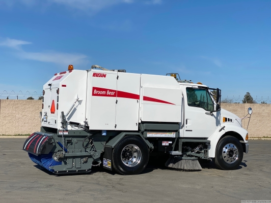 2007 Sterling Elgin Broom Bear Mechanical Street Sweeper