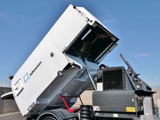 2007 Freightliner FC80 Johnston VT800 Air Sweeper