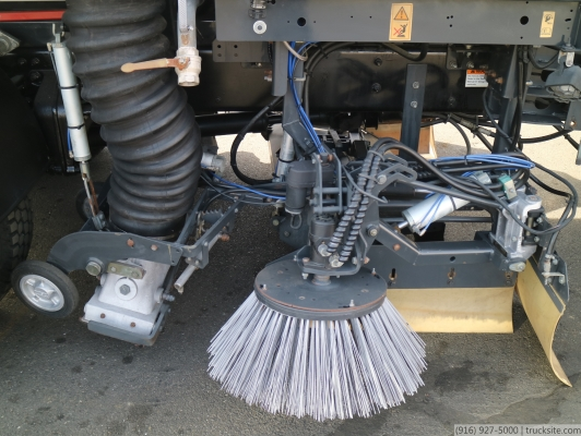 2007 Sterling Johnston VT650 Vacuum Street Air Sweeper