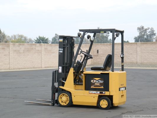 Caterpillar EC15 Electric Forklift