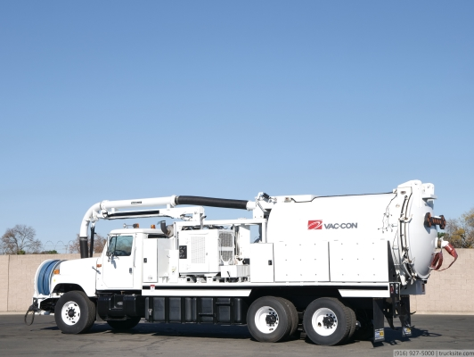 1999 International Vac-Con 12 Yard / 1,300 Gal Combo Truck