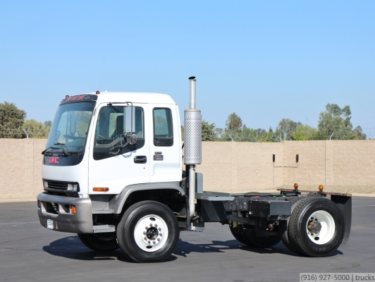 2004 GMC T7500 Dual Steering Cab & Chassis