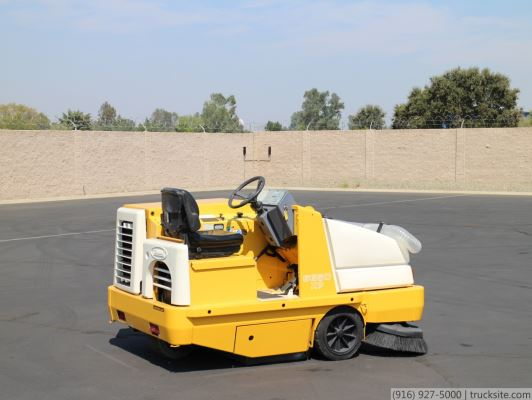 Tennant 6650XP Industrial Gas Sweeper