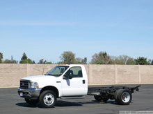 2004 Ford F450 XL SD Cab & Chassis