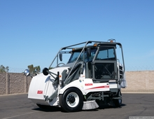 2008 Elgin Pelican P 3 Wheel Broom Sweeper