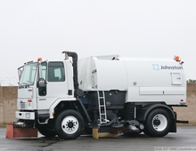 2005 Freightliner Johnston VT650 Air Street Sweeper