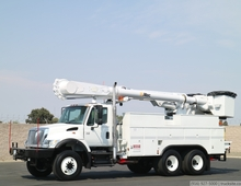 2006 International 7400 Altec AM55 Overcenter Bucket Truck