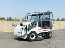 2008 Elgin Pelican 3 Wheel Broom Street Sweeper
